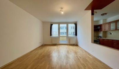 ZNÍŽENÁ CENA Predaj veľkého 2i byt na Galvaniho ulici