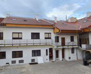 Na predaj dvojpodlažný byt v Centre Košíc (N006-114-MABa)
