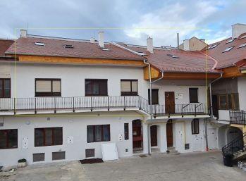 Na predaj dvojpodlažný byt v Centre Košíc (006-114-MABa)