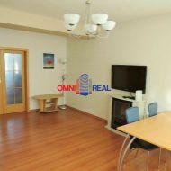 3-izbový byt 71 m2, Vietnamská 3/5, loggia azasklený balkón
