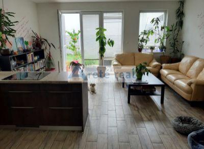 Areté real – predaj  poschodového 3-izb. bytu v Rovinke s rozsiahlou záhradou 120m2