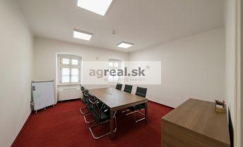 Kancelárske priestory 55,10 m2 v budove na Panenskej ulici, vyšší štandard, parking