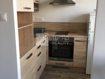 1i byt (bauring so spacím kútom) - zariadený a po rekonštrukcii na Hlbokej ul. v Trnave