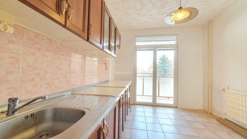 4-izbový byt-Predaj-Handlová-56000.00 €