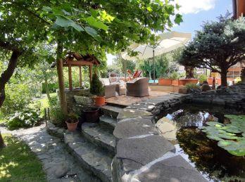 PROMINENT REAL predá 6 izbový rodinný dom vo vinárskej obci Limbach.