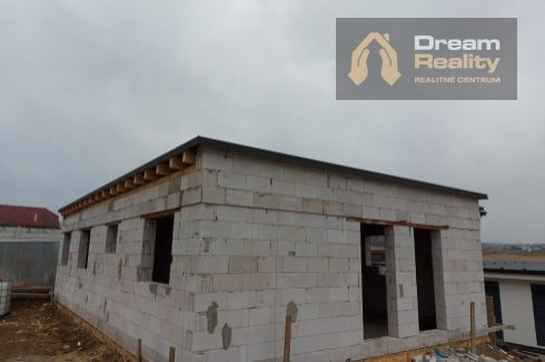 Novostavba RD vo výstavbe -Bitarová
