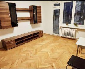 Slnečný a teplý byt v Bratislave - Nové Mesto