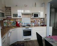 DIAMOND HOME  s.r.o. Vám ponúka na predaj krásny zrekonštruovaný zariadený 3 izbový byt v Bratislave