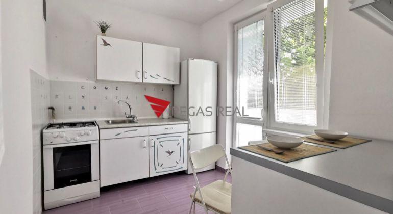 Pekný priestranný 1izb byt s balkónom s krásnym výhľadom na Sibírskej ulici na prenájom