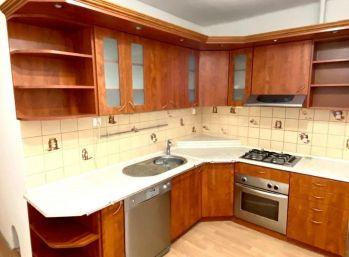 Predaj 2 izbový byt, balkón, centrum mesta, Nitra