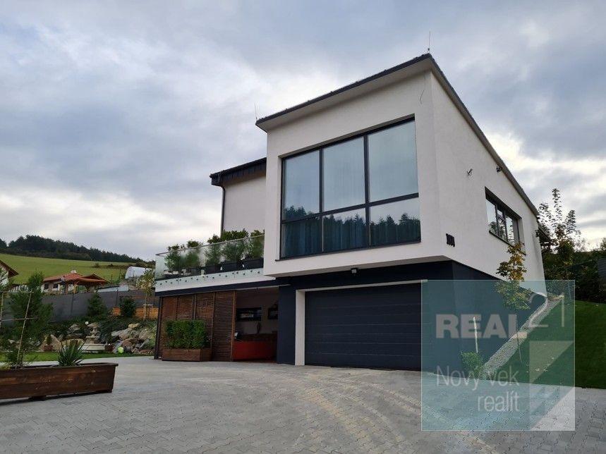 Rodinný dom-Predaj-Pružina-330000.00 €