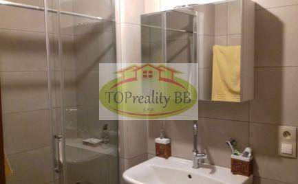 Investícia !!  Veľký tehlový 2 izbový byt,  57 m2,  B. Bystrica širšie centrum - kompletná rekonštrukcia - 125 000€
