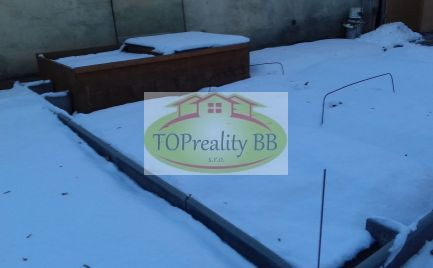 Investícia !!!  - Stavebný pozemok  v lukratívnej časti Banskej Bystrice na Sídlisku - komerčné využitie - cena 135 000€