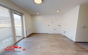 Na predaj 2-izový byt s parkovacím miestom a s vlastným vykurovaním v Trenčíne, ulica Hroznová o výmere 49 m2.
