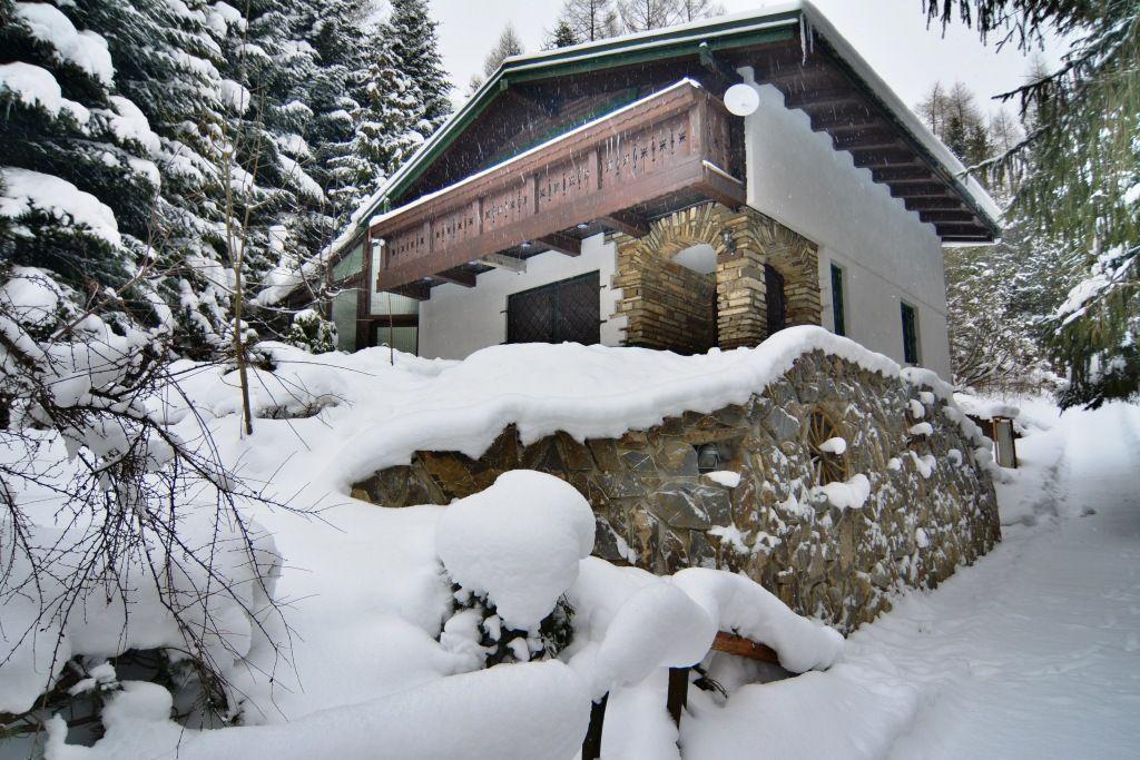 PREDANÉ chata Bachledová dolina, pozemok  1723 m2 - 1