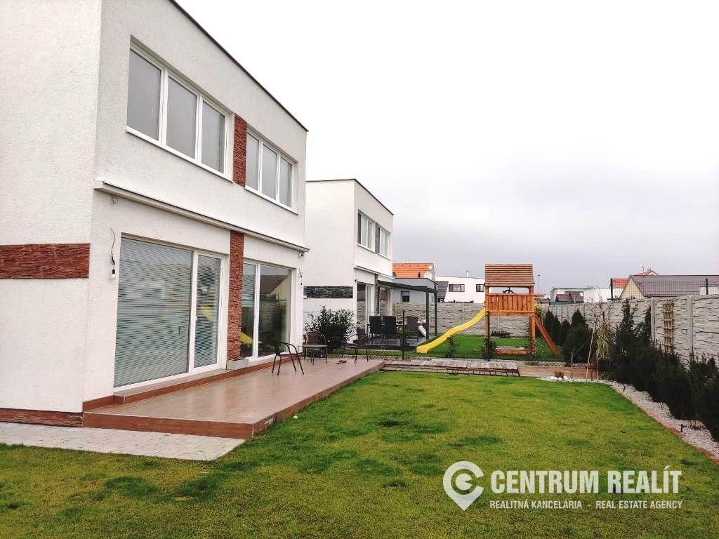 Rodinný dom-Predaj-Chorvátsky Grob-330000.00 €
