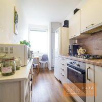3 izbový byt, Bratislava-Petržalka, 77 m², Kompletná rekonštrukcia