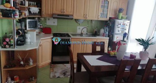 DIAMOND HOME s.r.o. Vám ponúka na predaj  na predaj pekný 3,5  izbový byt vo Veľkom Mederi