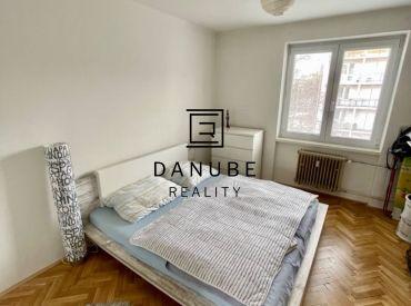 Predaj slnečný 2,5-izbový byt v krásnej lokalite Ružinova na Medzilaboreckej ulici Bratislava-Ružinov