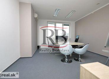 Reprezentatívny kancelársky priestor 175 m2 + terasa 30 m2 + parkovacie miesto v cene