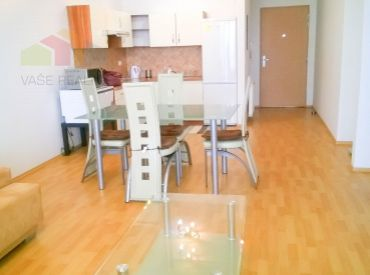 Na prenájom 3-izbový byt s lodžiou, 84 m², v komplexe TRI VEŽE, klimatizovaný, Bajkalská ulica + vnútorné parkovacie státie, voľný ihneď