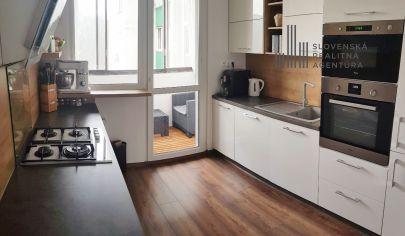 REZERVOVANÉ:  3i byt s novou kuchyňou, klimatizáciou a elektrickými rozvodmi vo vyhľadávanej časti Petržalky - pri Chorvátskom ramene