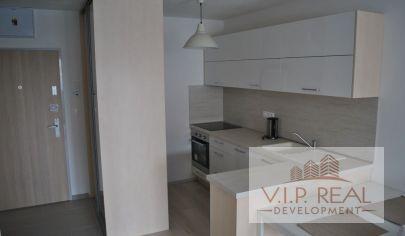 PRENÁJOM - pekný 2-izbový byt v novostavbe s garážovým miestom, BA-Petržalka, Muchovo námestie.