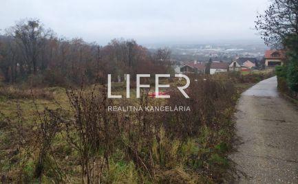 Exkluzívne na predaj luxusný stavebný pozemok v Bratislave, časť Rača