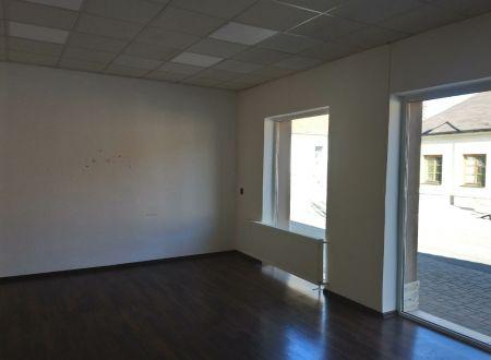 Obchodný priestor /ul. Teplická, 60 m2/ Piešťany