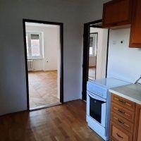 2 izbový byt, Komárno, 58 m², Čiastočná rekonštrukcia