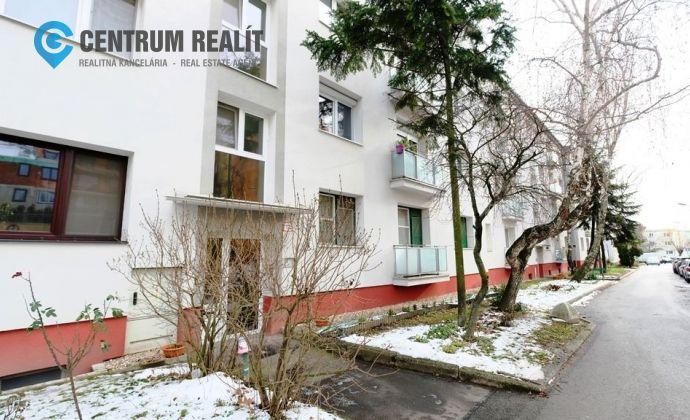 IBA U NÁS: tehlový 3-izbový byt s balkónom, TOP lokalita - Biely Kríž , Skalická cesta , BA - Nové Mesto