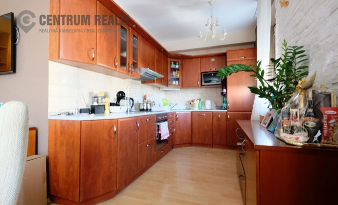 Prenájom : Zariadený a plne klimatizovaný 2-izbový byt v 10-ročnej novostavbe