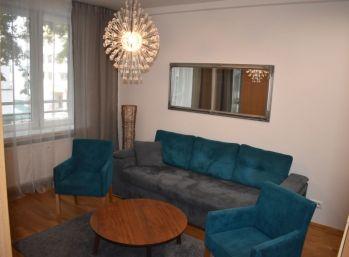 BA I. Staré mesto - 2 izbový dizajnový byt s loggiou, balkónom a šatníkom