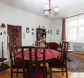 4 izbový byt, Nové mesto, ul. Osadná, možnosť rozdelenia na dve bytové jednotky