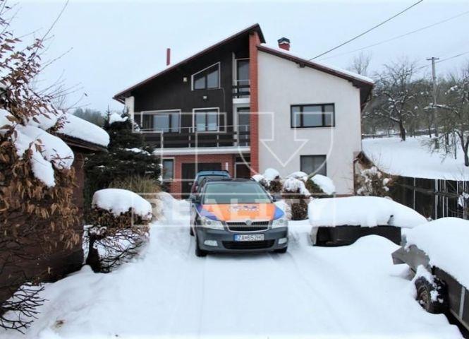 Rodinný dom - Dolná Mariková - Fotografia 1