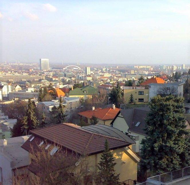 3-izbový byt-Prenájom-Bratislava - mestská časť Staré Mesto-1 300 €