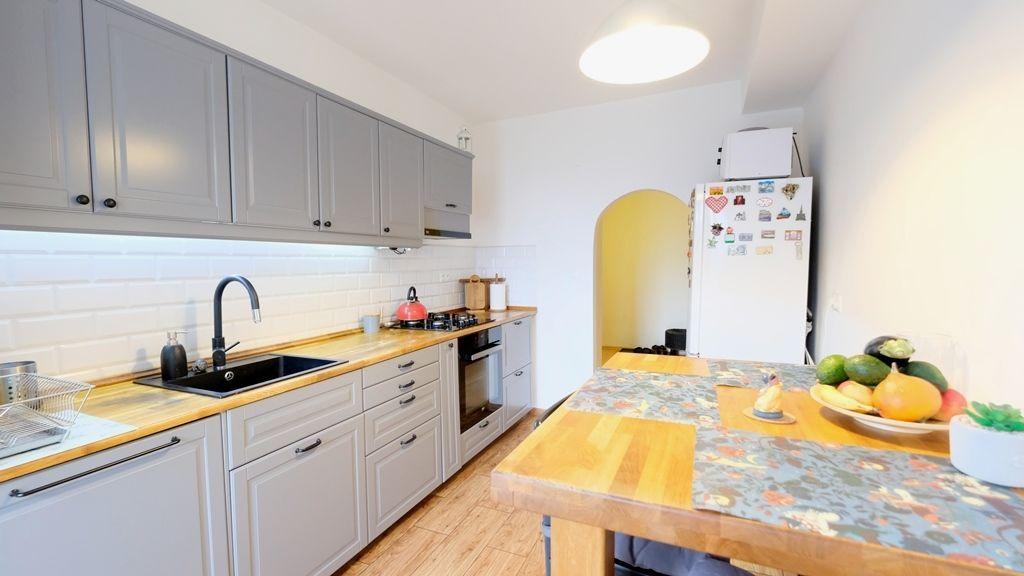 3-izbový byt-Predaj-Bratislava - mestská časť Nové Mesto-210 000 €