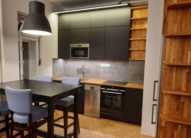 3 izbový byt - Bratislava-Staré Mesto - Fotografia 1