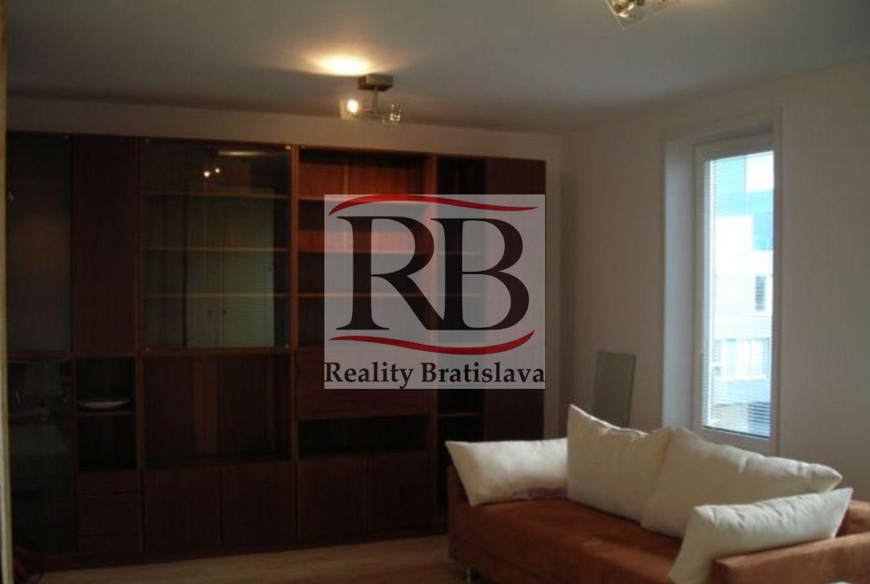 1-izbový byt-Prenájom-Bratislava - mestská časť Ružinov-370.00 €