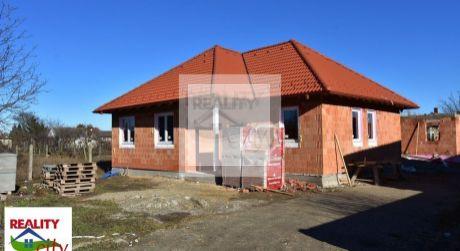 TOP PONUKA  4 - izbový rodinný dom 100 m2, pozemok 335 m2 - Rajka