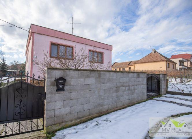 Rodinný dom - Budmerice - Fotografia 1