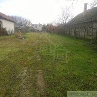 Pre rodinné domy, Hurbanovo, 870 m², Pôvodný stav