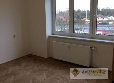 3042 Na predaj 2-izbový tehlový byt v Komárne