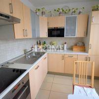4 izbový byt, Bratislava-Petržalka, 80 m², Čiastočná rekonštrukcia