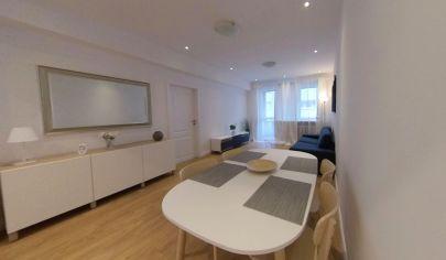PRENÁJOM - veľký 2 izbový byt 69 m2, kompetná nová rekonštrukcia, Staré Mesto