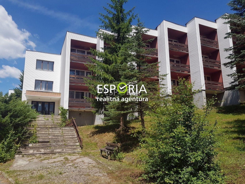 Hotel-Predaj-Bžany-155000.00 €