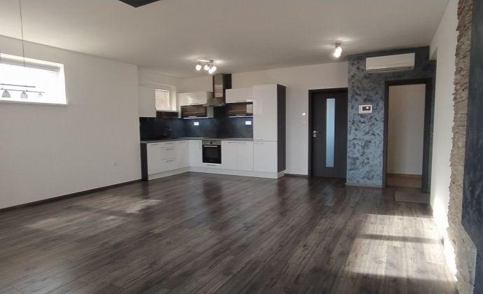 Moderný klimatizovaný 3-izbový byt s loggiou, 2x parkovaním, Dunajská Lužná - Nové Košariská