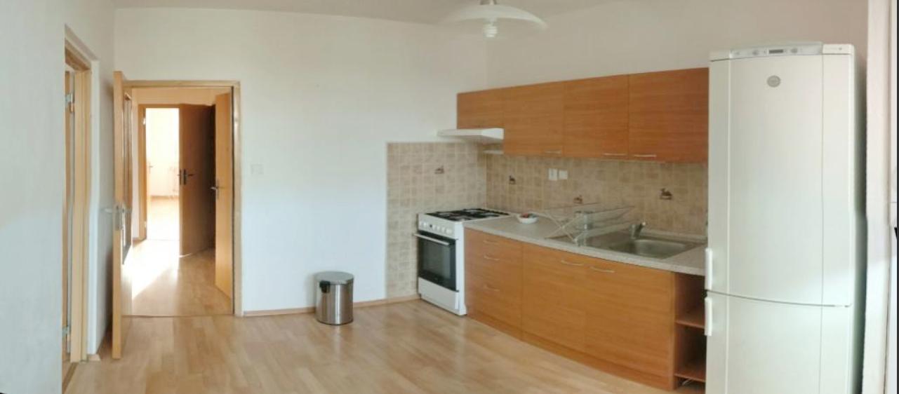 3-izbový byt-Prenájom-Bratislava - mestská časť Karlova Ves-400.00 €