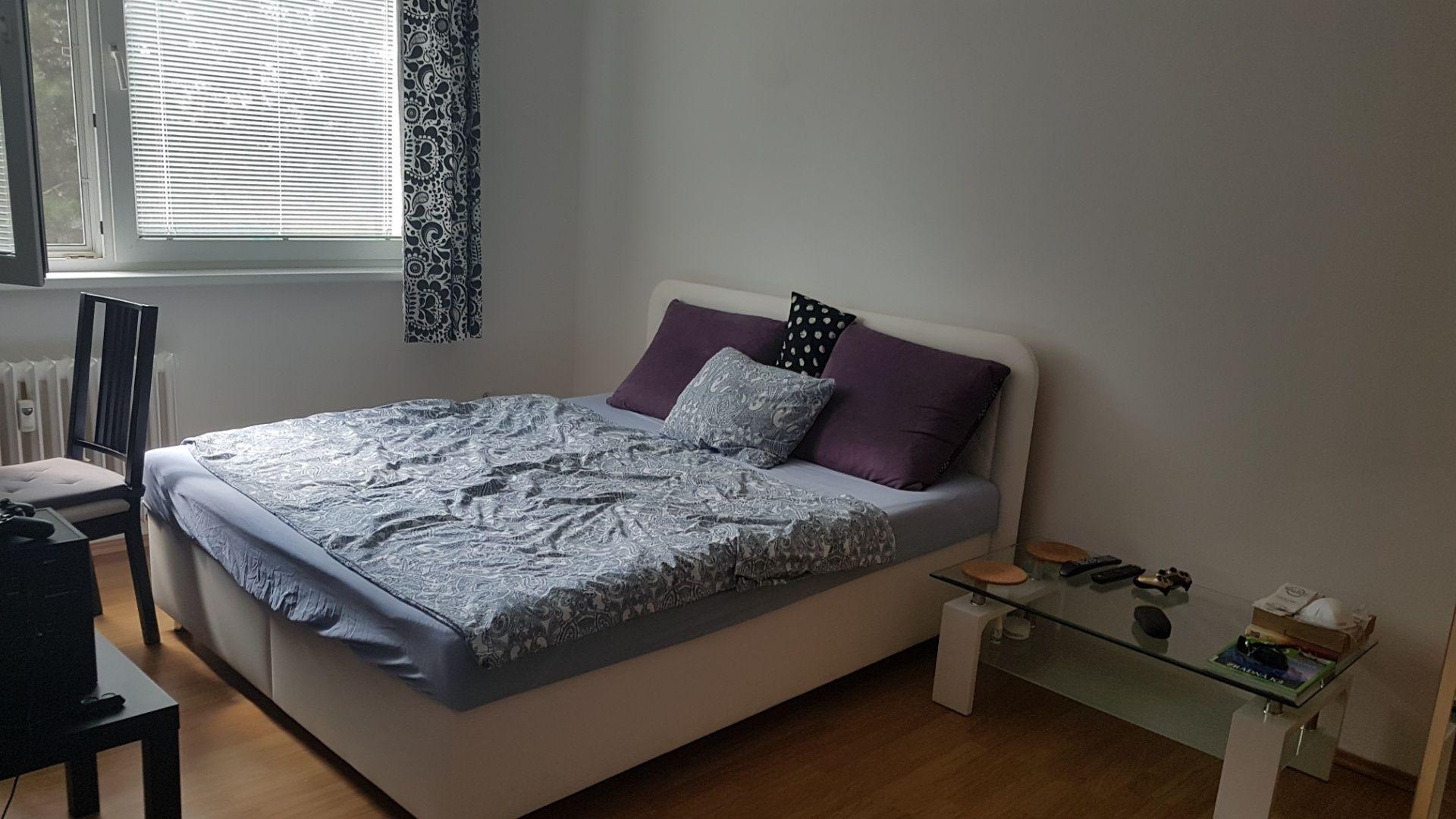 1-izbový byt-Prenájom-Bratislava - mestská časť Dúbravka-430.00 €