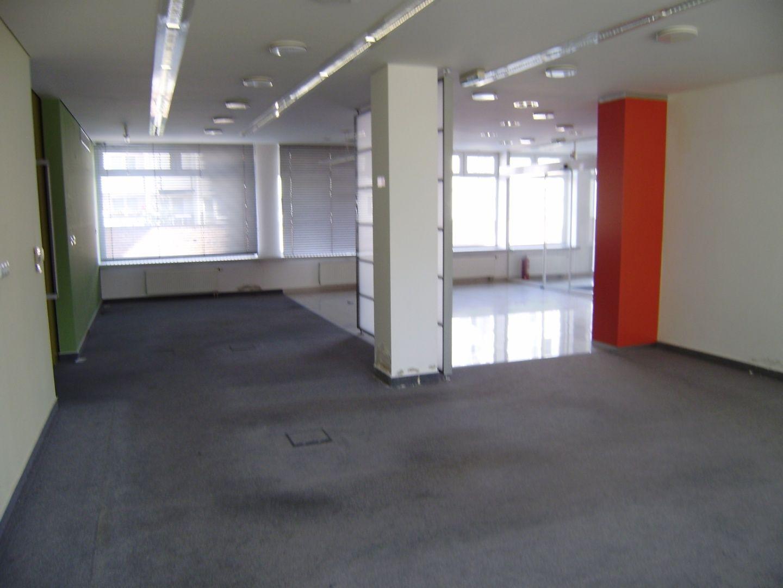 Obchodný objekt-Predaj-Bratislava - mestská časť Karlova Ves-1500.00 €